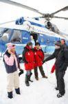 российские звёзды совершили уникальный полет во льды Белого моря с целью добиться законодательного запрещения зверобойного промысла. Архангельск - Белое море. 9 марта 2008 г.